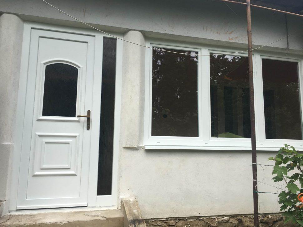 Biele-plastove-okna-vchodove-dvere-dom