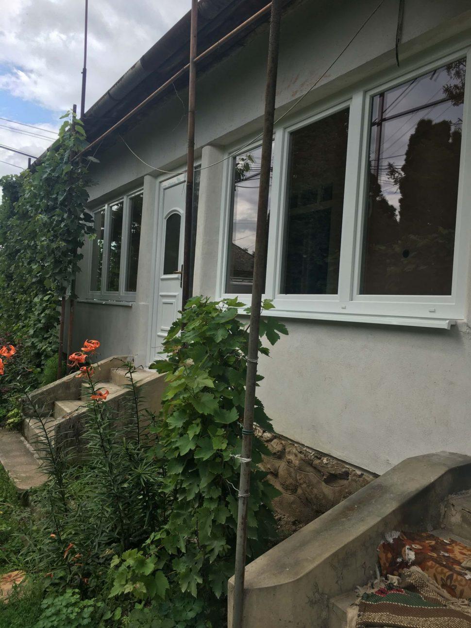 Biele-plastove-okna-dom